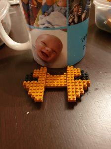 Build Your Own Mini Dachshund with this Mini Lego Set 5