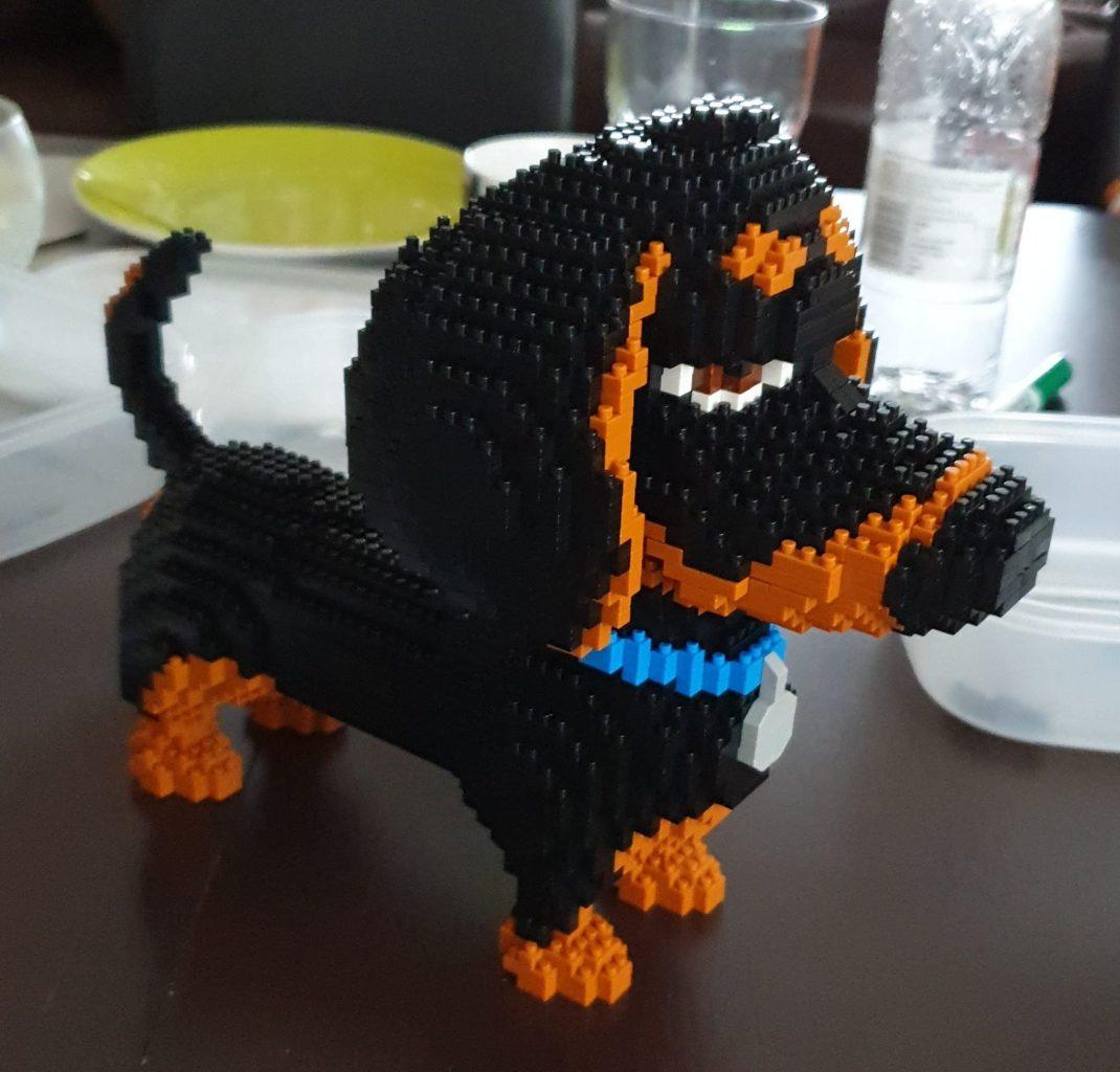 Build Your Own Mini Dachshund with this Mini Lego Set