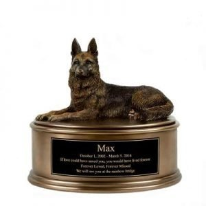 Remember your Dog with the Top 9 Memorial Urns for Dog Ashes 1